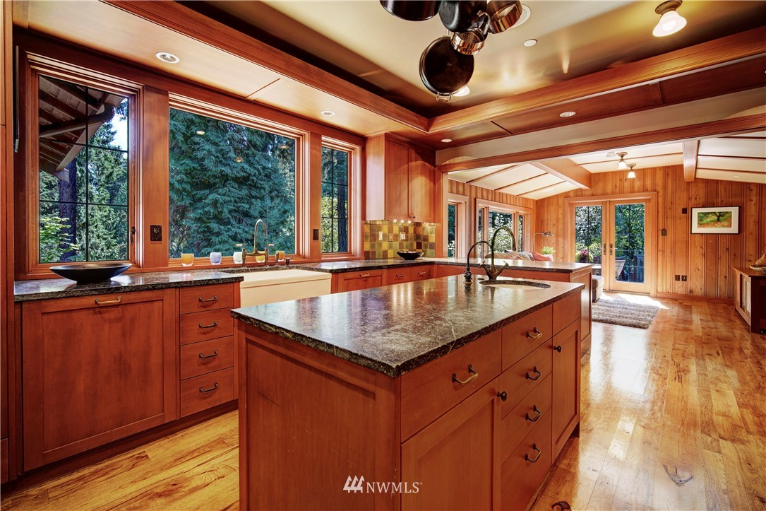 Sold Property   2708 106th Place SE Beaux Arts, WA 98004 16