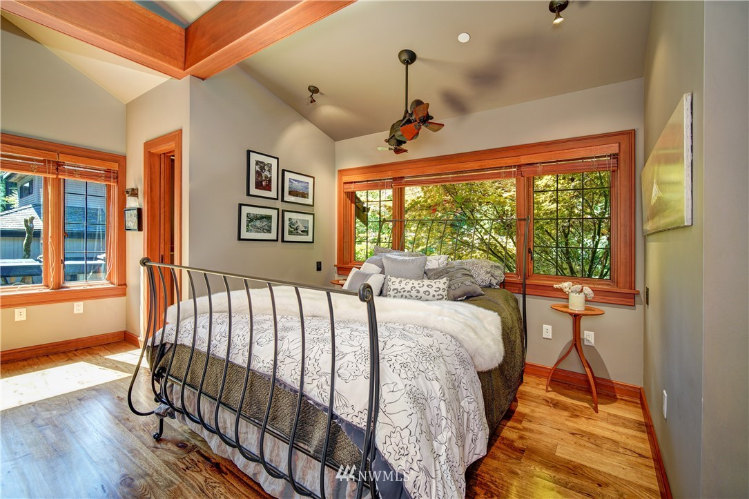 Sold Property   2708 106th Place SE Beaux Arts, WA 98004 21
