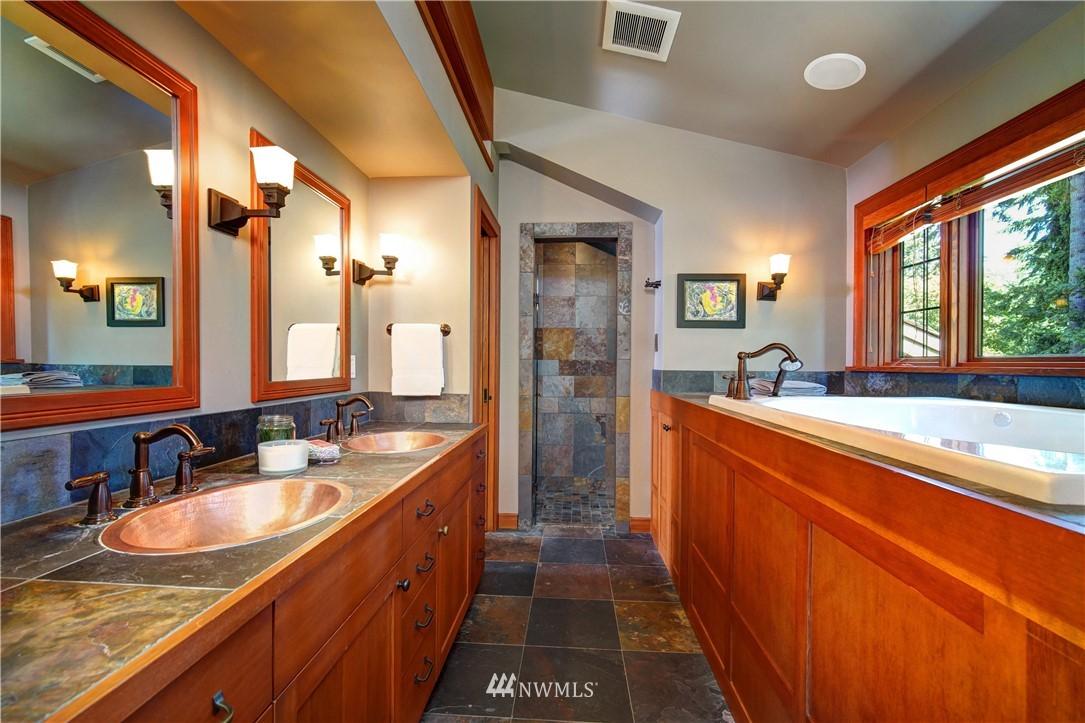 Sold Property   2708 106th Place SE Beaux Arts, WA 98004 23