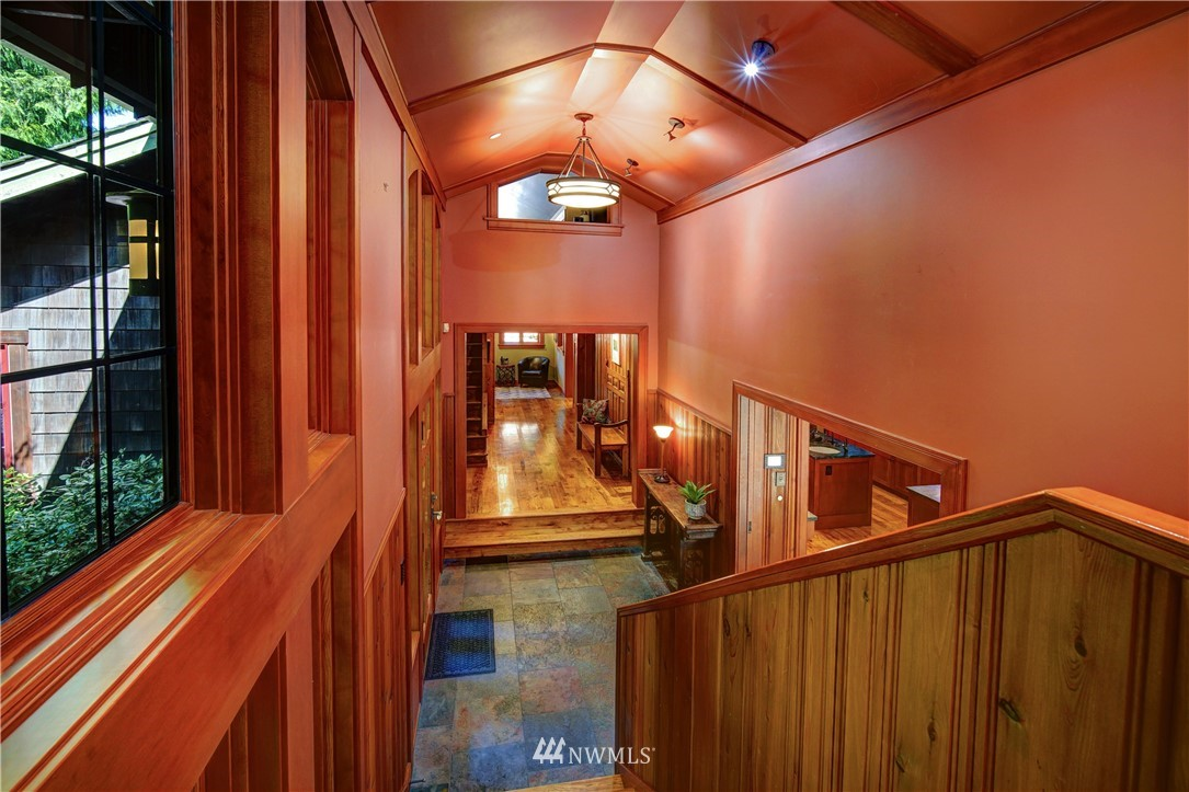 Sold Property   2708 106th Place SE Beaux Arts, WA 98004 24