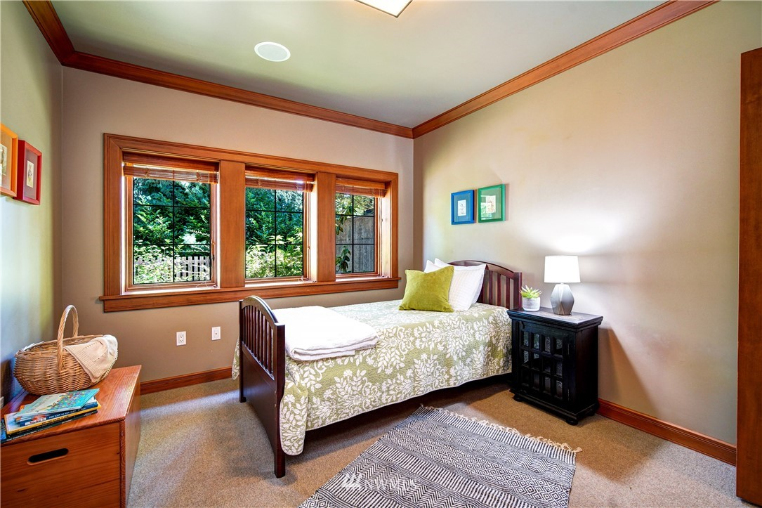 Sold Property   2708 106th Place SE Beaux Arts, WA 98004 27