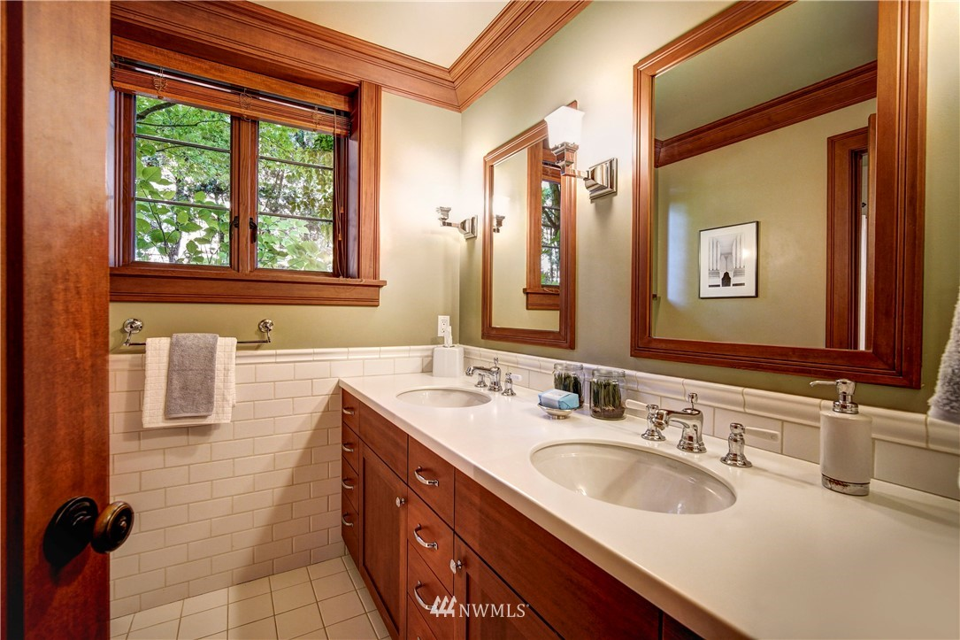 Sold Property   2708 106th Place SE Beaux Arts, WA 98004 29