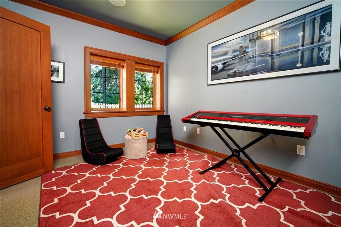 Sold Property   2708 106th Place SE Beaux Arts, WA 98004 30