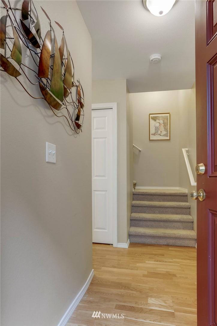 Sold Property | 5300 Glenwood Avenue #C2 Everett, WA 98203 5