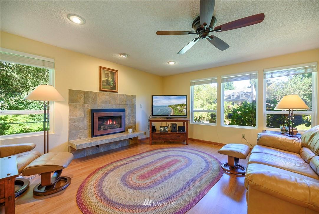 Sold Property | 24024 57th Avenue SE Woodinville, WA 98072 2