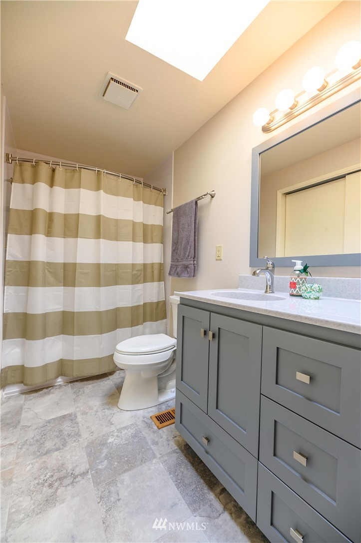 Sold Property | 24024 57th Avenue SE Woodinville, WA 98072 4
