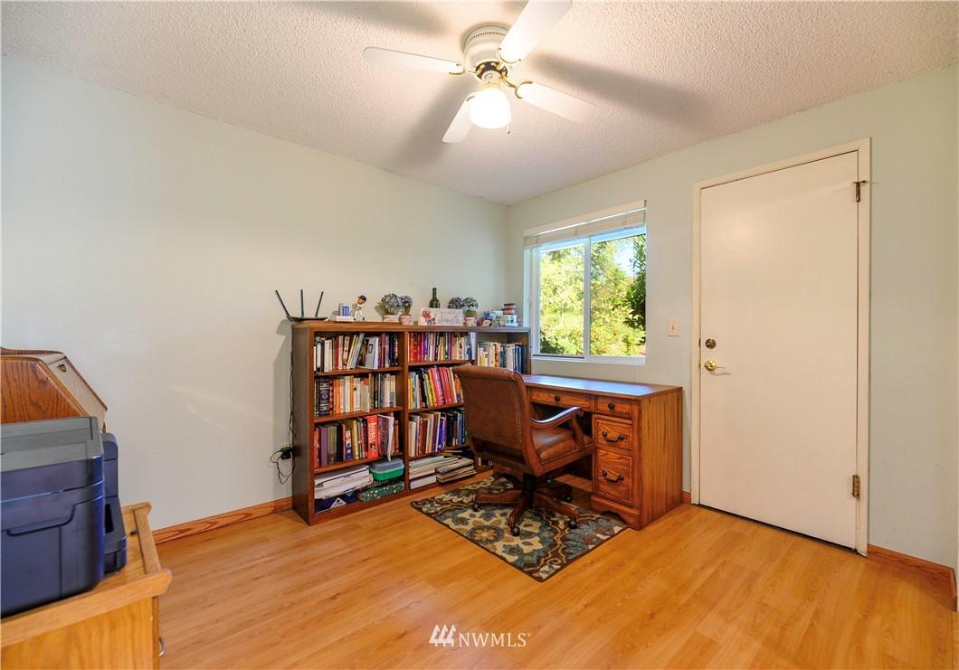 Sold Property | 24024 57th Avenue SE Woodinville, WA 98072 9