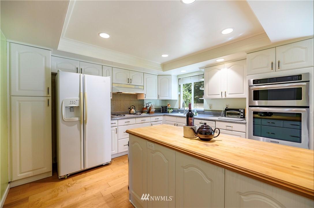 Sold Property | 24024 57th Avenue SE Woodinville, WA 98072 11
