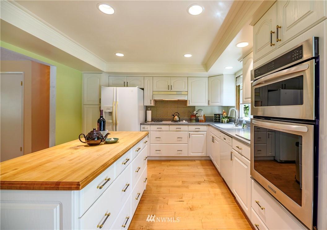 Sold Property | 24024 57th Avenue SE Woodinville, WA 98072 12