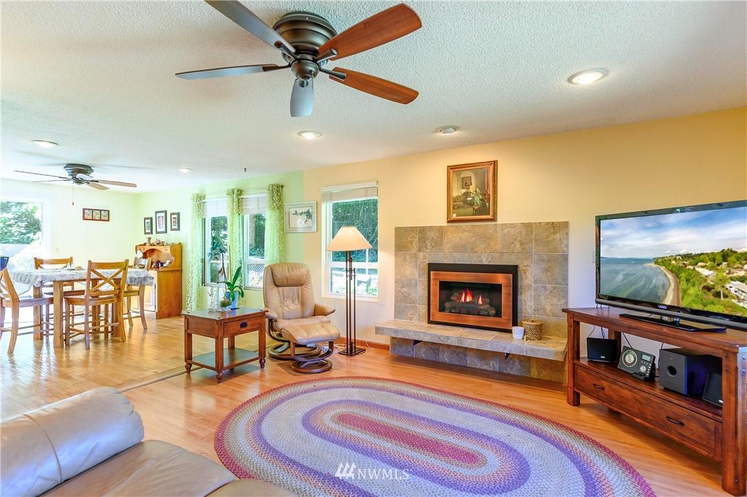 Sold Property | 24024 57th Avenue SE Woodinville, WA 98072 17