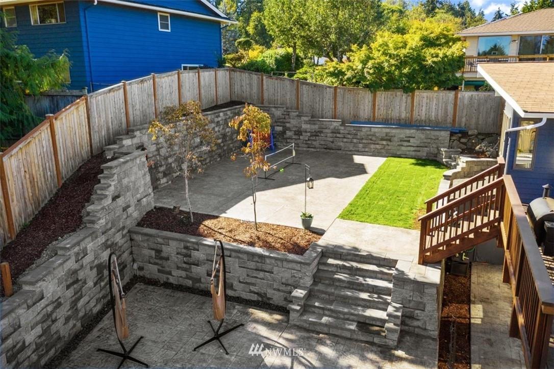 Sold Property | 4105 NE 98th Street Seattle, WA 98115 9