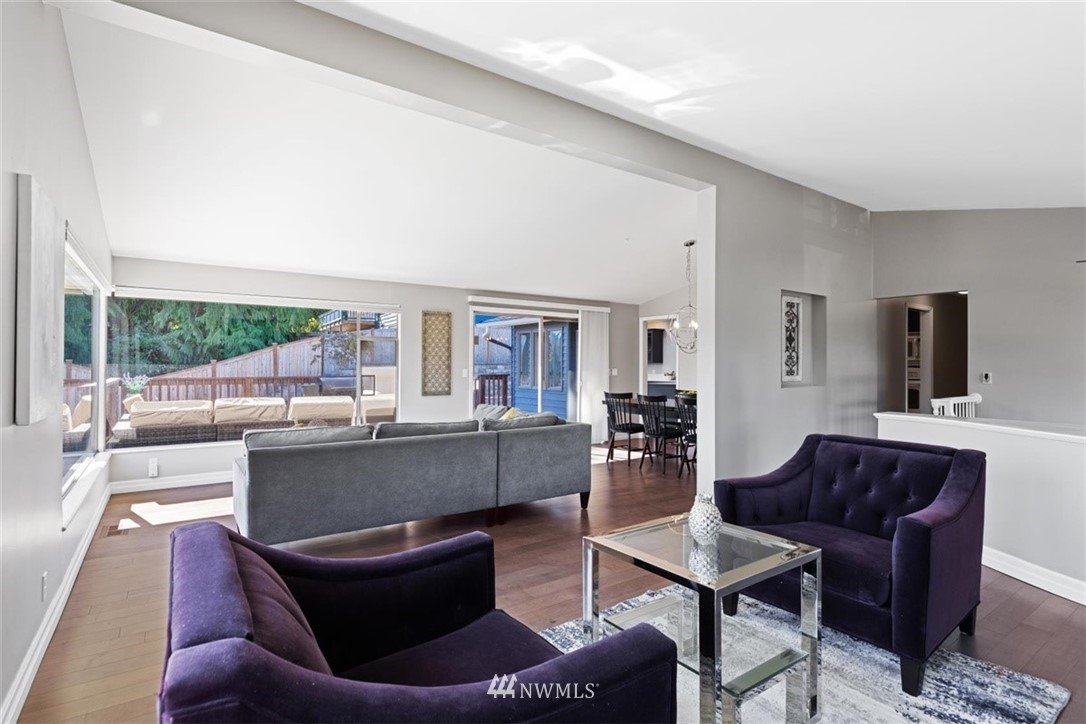 Sold Property | 4105 NE 98th Street Seattle, WA 98115 14