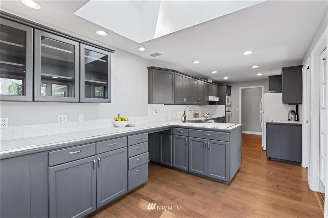 Sold Property | 4105 NE 98th Street Seattle, WA 98115 19