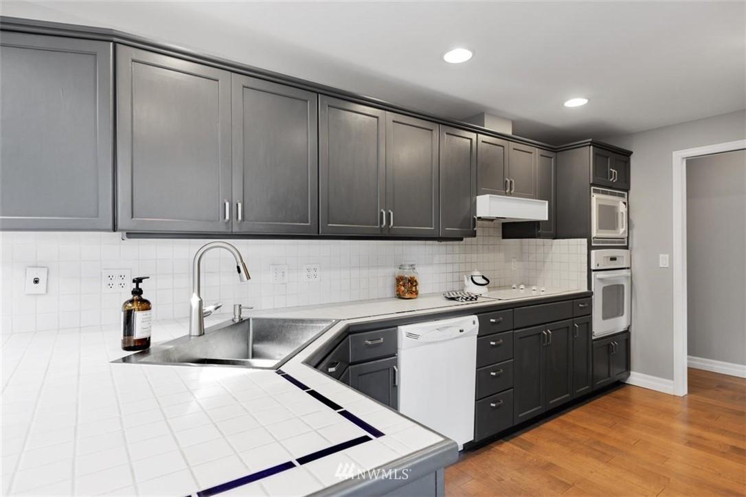Sold Property | 4105 NE 98th Street Seattle, WA 98115 21