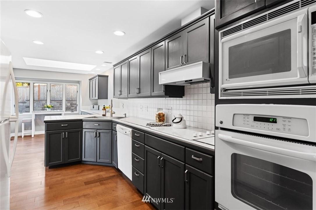 Sold Property | 4105 NE 98th Street Seattle, WA 98115 22