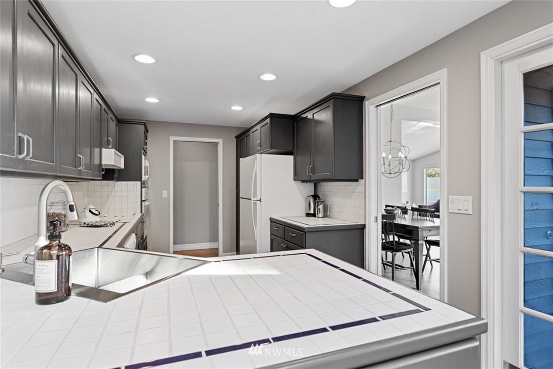 Sold Property | 4105 NE 98th Street Seattle, WA 98115 24