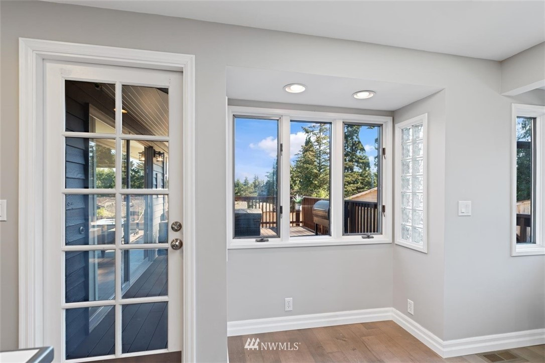 Sold Property | 4105 NE 98th Street Seattle, WA 98115 25