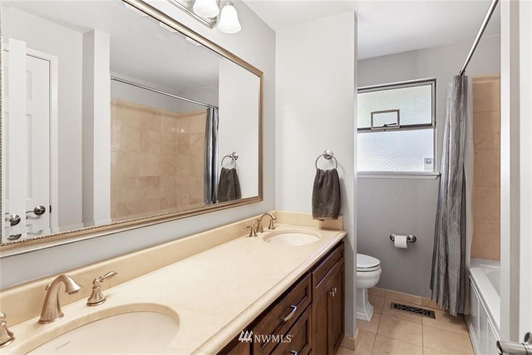 Sold Property | 4105 NE 98th Street Seattle, WA 98115 26