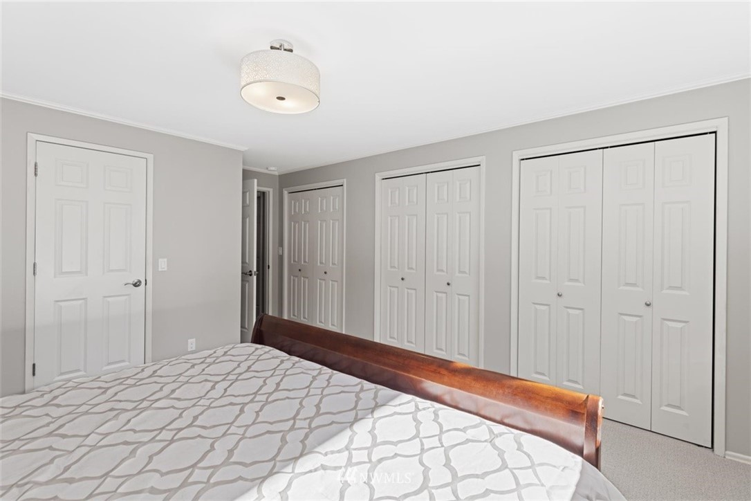 Sold Property | 4105 NE 98th Street Seattle, WA 98115 28