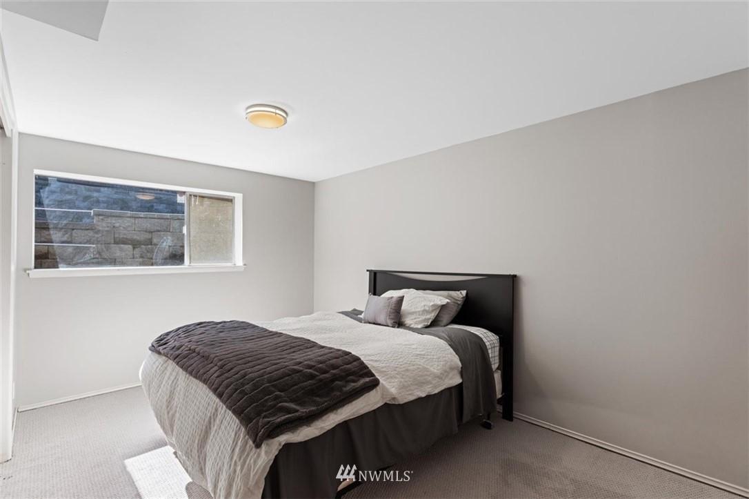 Sold Property | 4105 NE 98th Street Seattle, WA 98115 30
