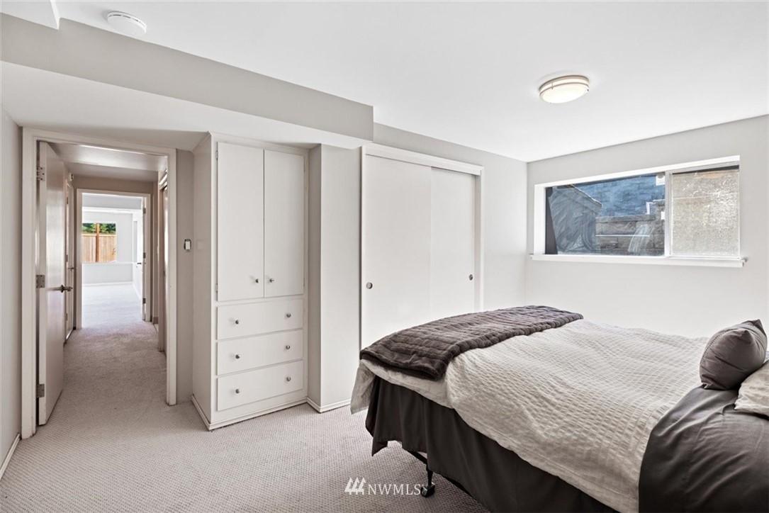 Sold Property | 4105 NE 98th Street Seattle, WA 98115 31
