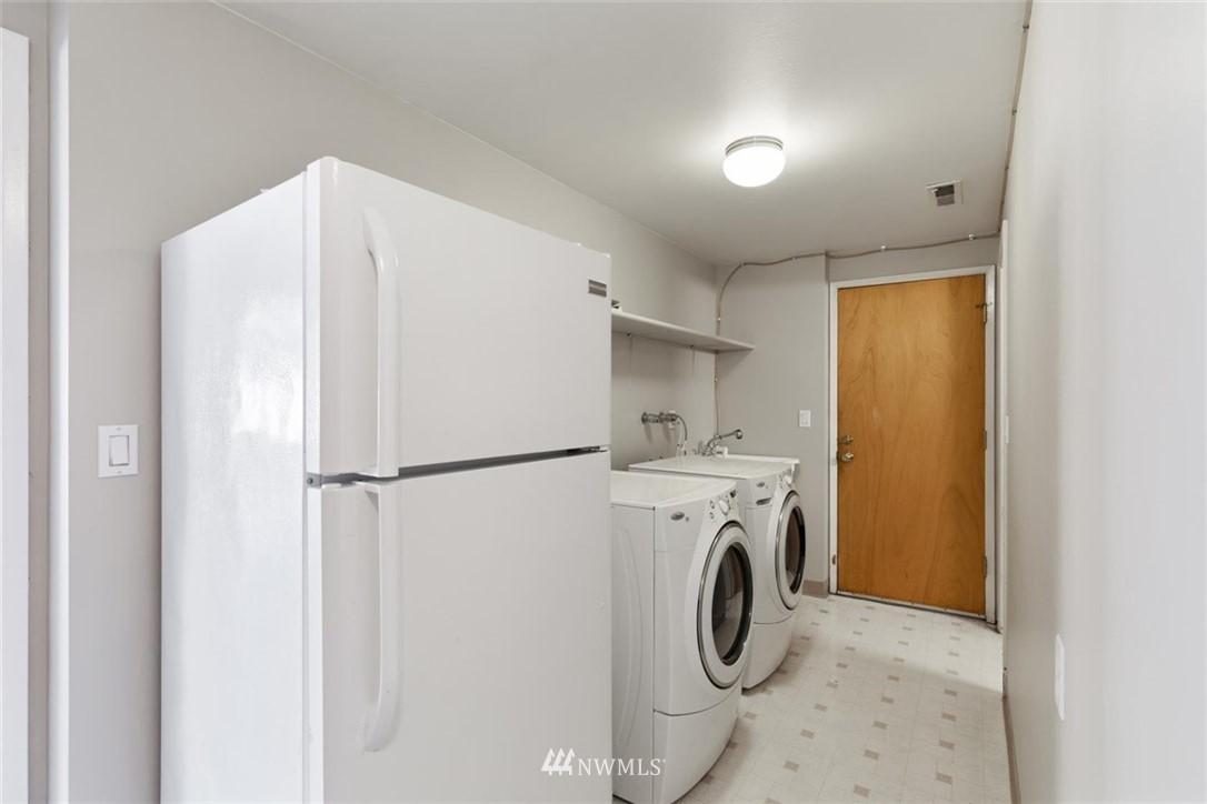 Sold Property | 4105 NE 98th Street Seattle, WA 98115 32