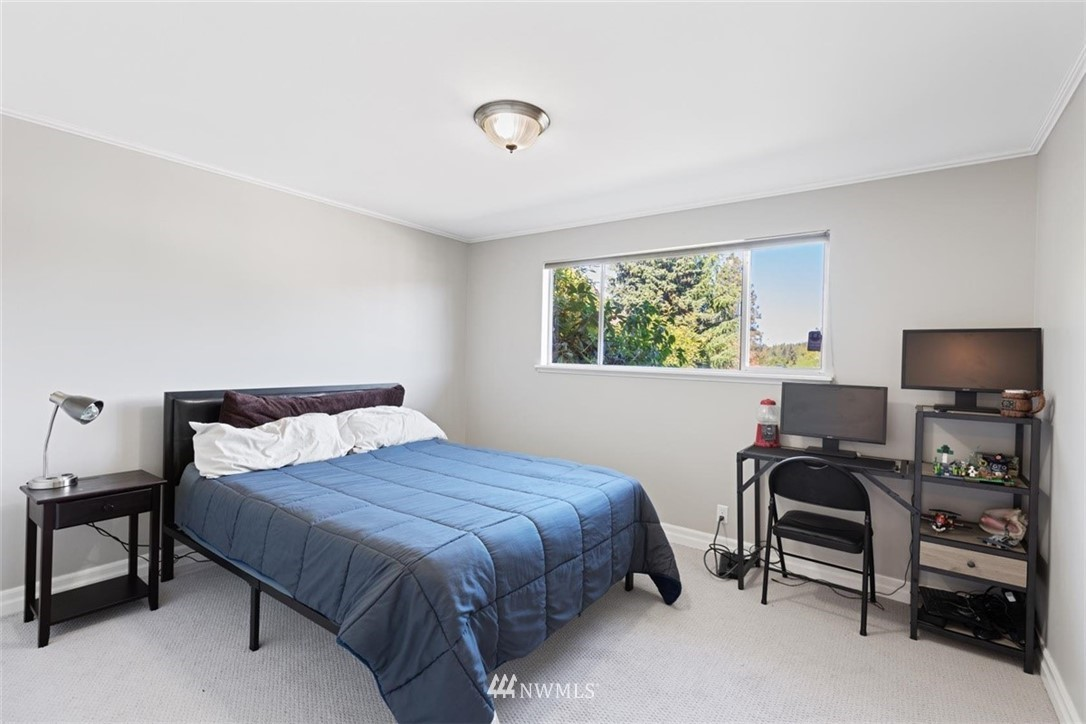 Sold Property | 4105 NE 98th Street Seattle, WA 98115 36