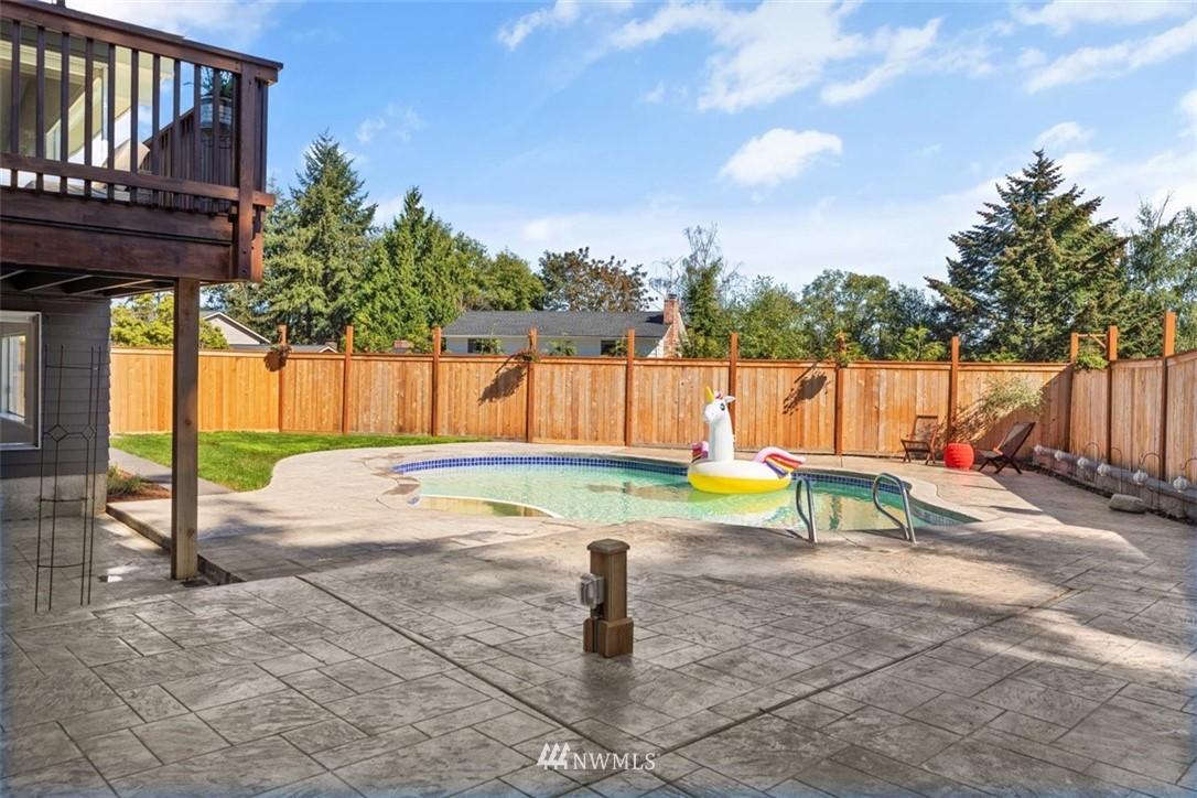 Sold Property | 4105 NE 98th Street Seattle, WA 98115 42