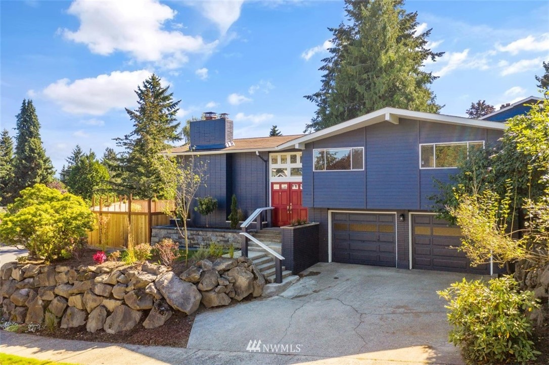 Sold Property | 4105 NE 98th Street Seattle, WA 98115 3