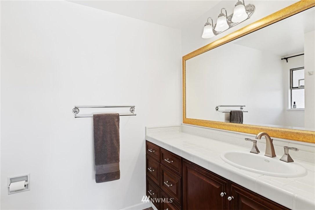 Sold Property | 4105 NE 98th Street Seattle, WA 98115 29