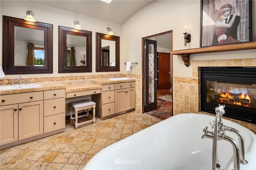 Sold Property | 13772 NE 5th Place Bellevue, WA 98005 19