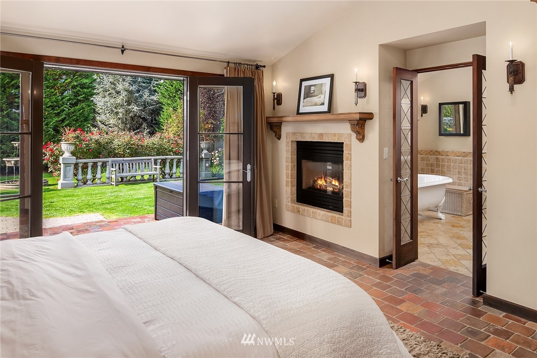 Sold Property | 13772 NE 5th Place Bellevue, WA 98005 16