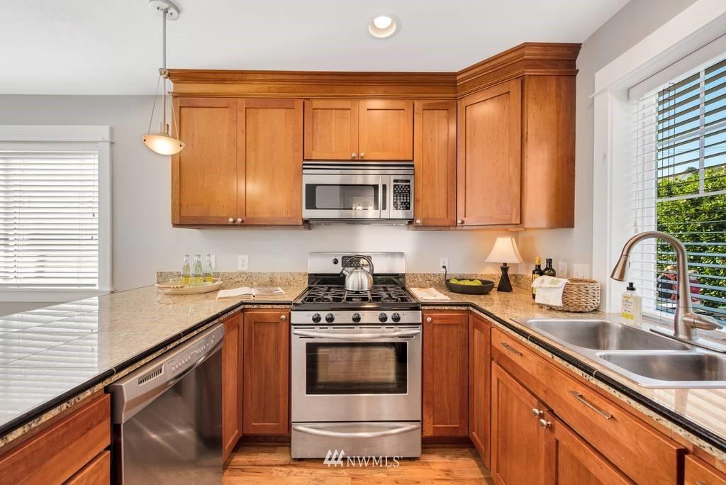 Sold Property | 3219 21st Avenue W Seattle, WA 98199 2