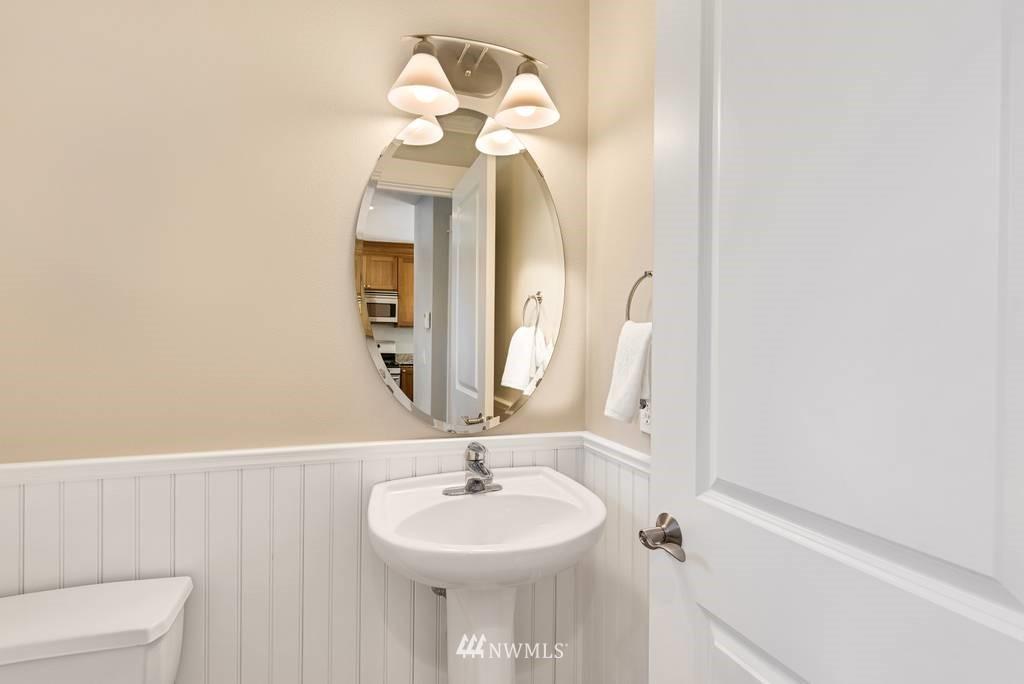 Sold Property | 3219 21st Avenue W Seattle, WA 98199 5