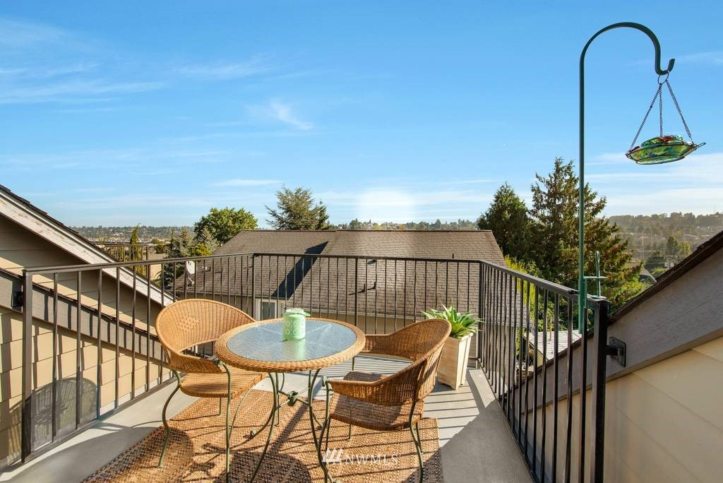 Sold Property | 3219 21st Avenue W Seattle, WA 98199 19