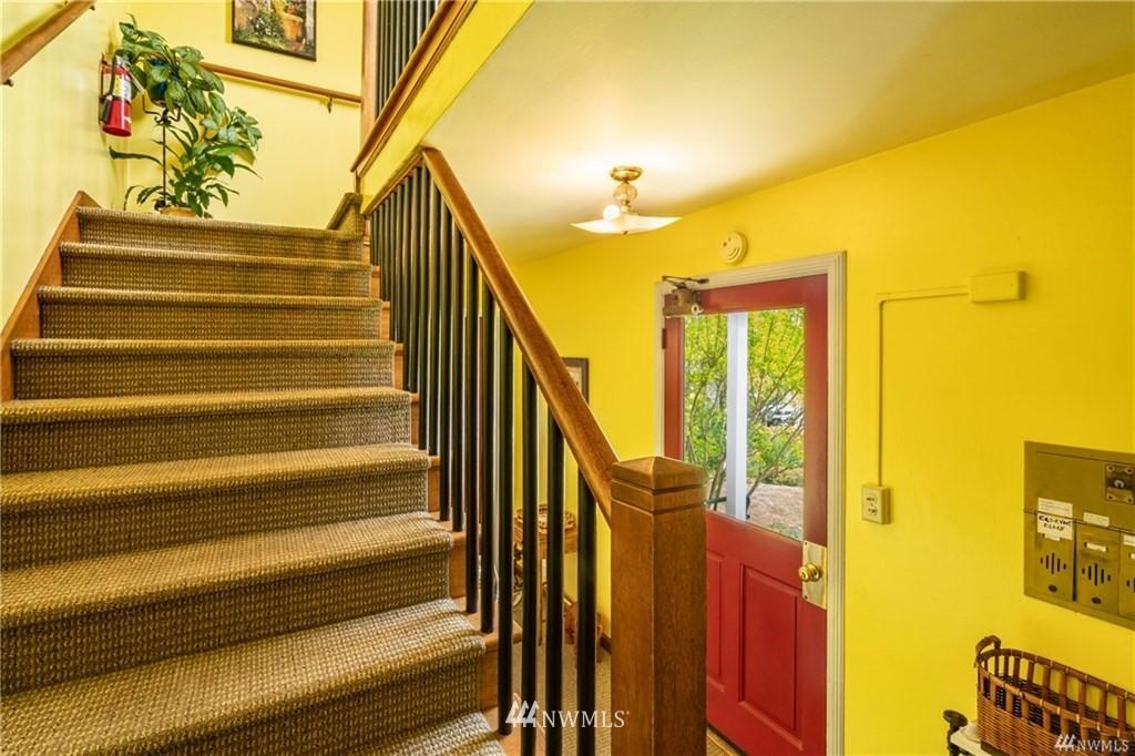 Sold Property   7866 Green Lake Drive N #3 Seattle, WA 98103 1