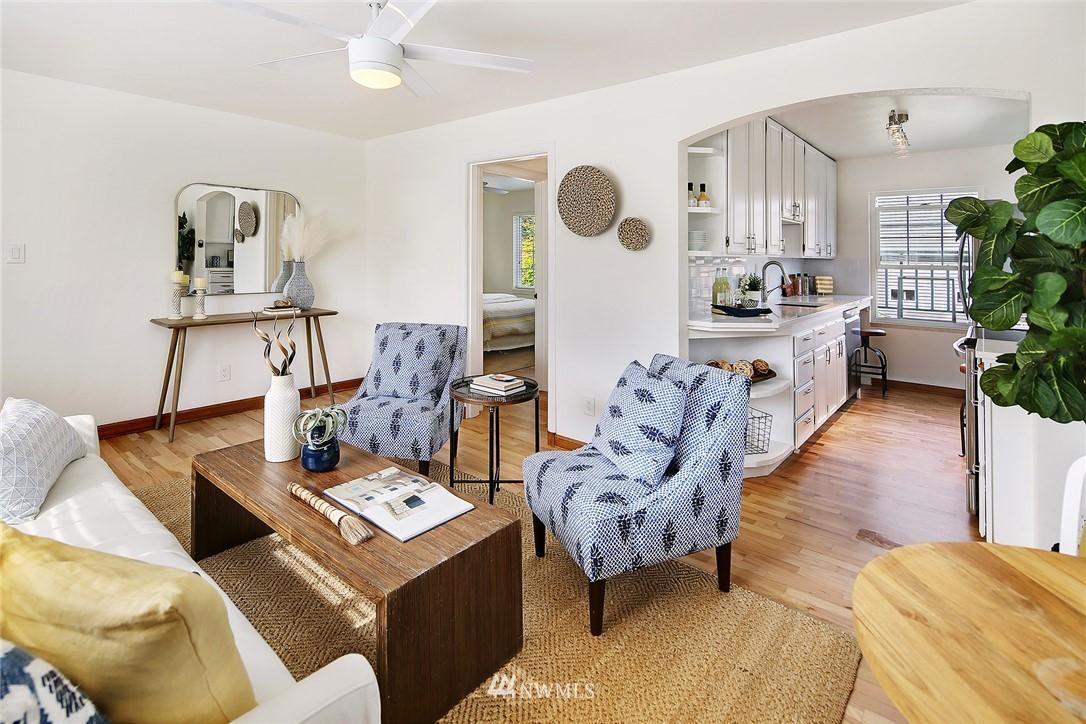 Sold Property   7866 Green Lake Drive N #3 Seattle, WA 98103 3