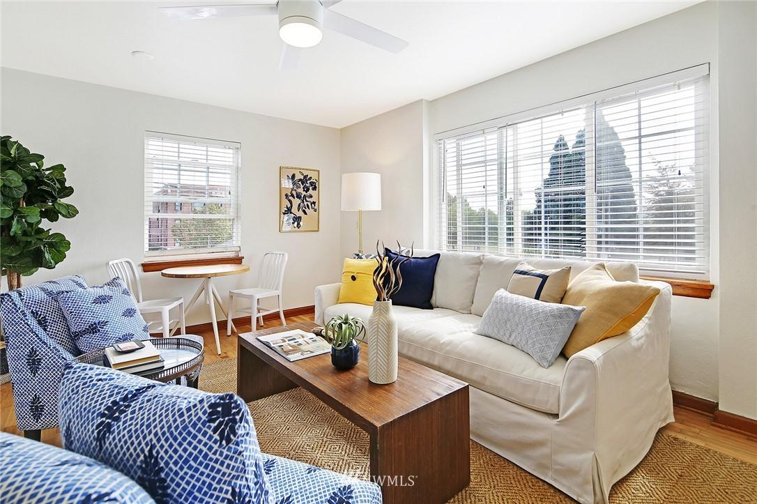 Sold Property   7866 Green Lake Drive N #3 Seattle, WA 98103 5
