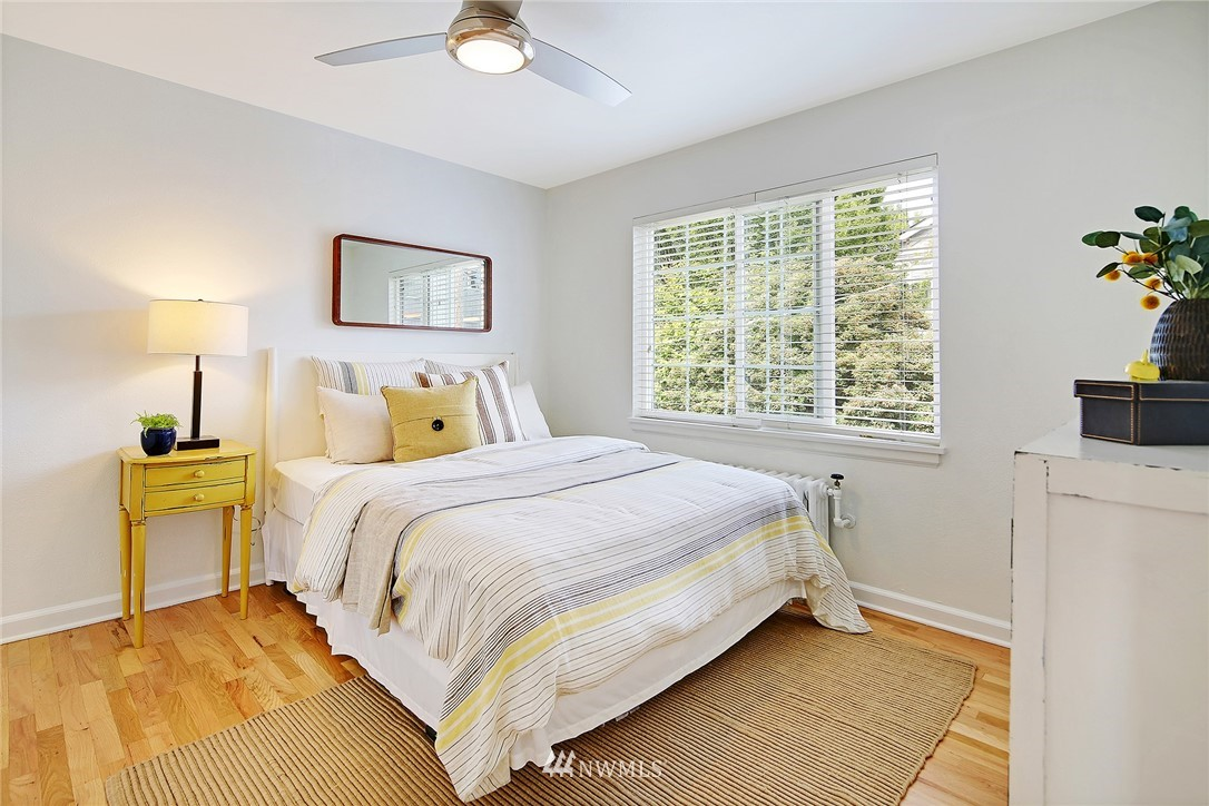 Sold Property   7866 Green Lake Drive N #3 Seattle, WA 98103 10
