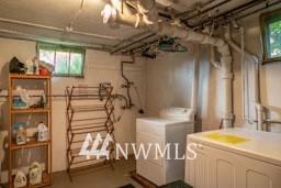 Sold Property   7866 Green Lake Drive N #3 Seattle, WA 98103 12