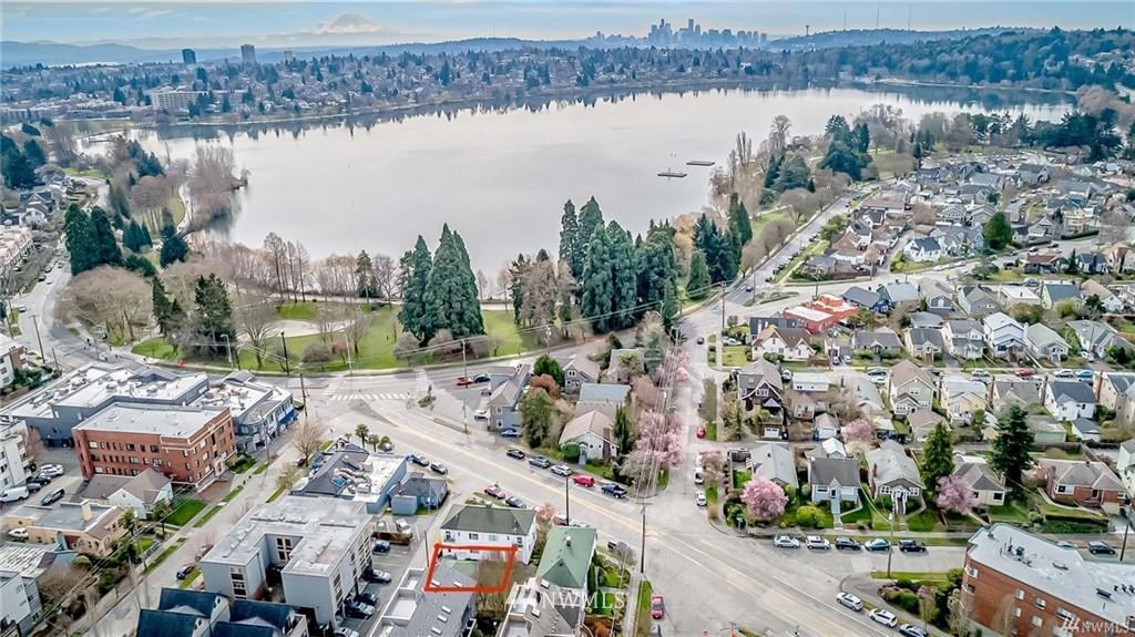 Sold Property   7866 Green Lake Drive N #3 Seattle, WA 98103 28
