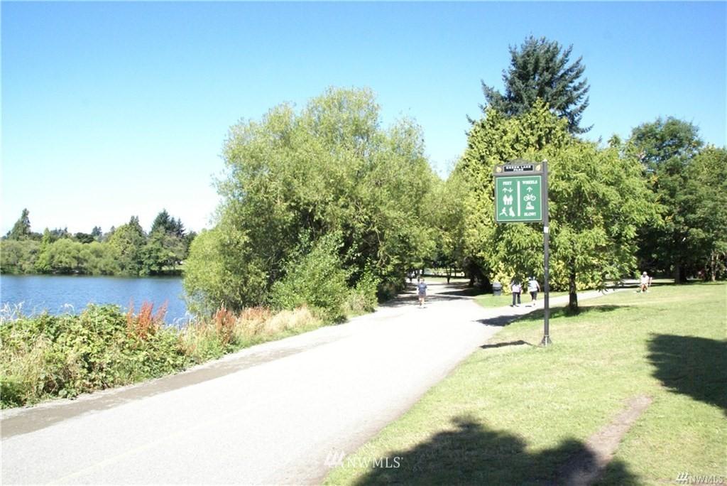 Sold Property   7866 Green Lake Drive N #3 Seattle, WA 98103 18