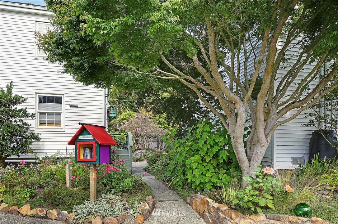 Sold Property   7866 Green Lake Drive N #3 Seattle, WA 98103 13