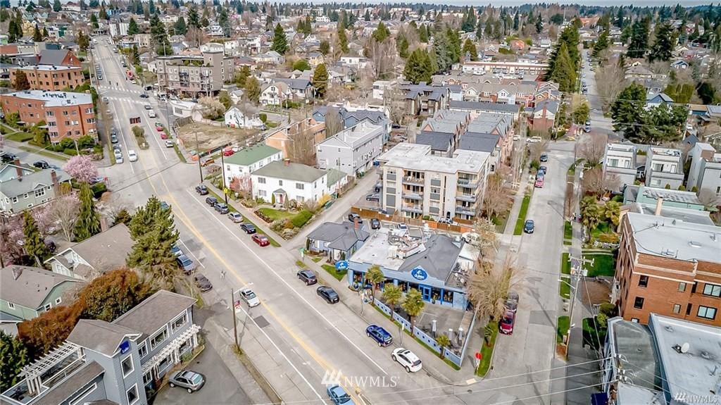 Sold Property   7866 Green Lake Drive N #3 Seattle, WA 98103 29