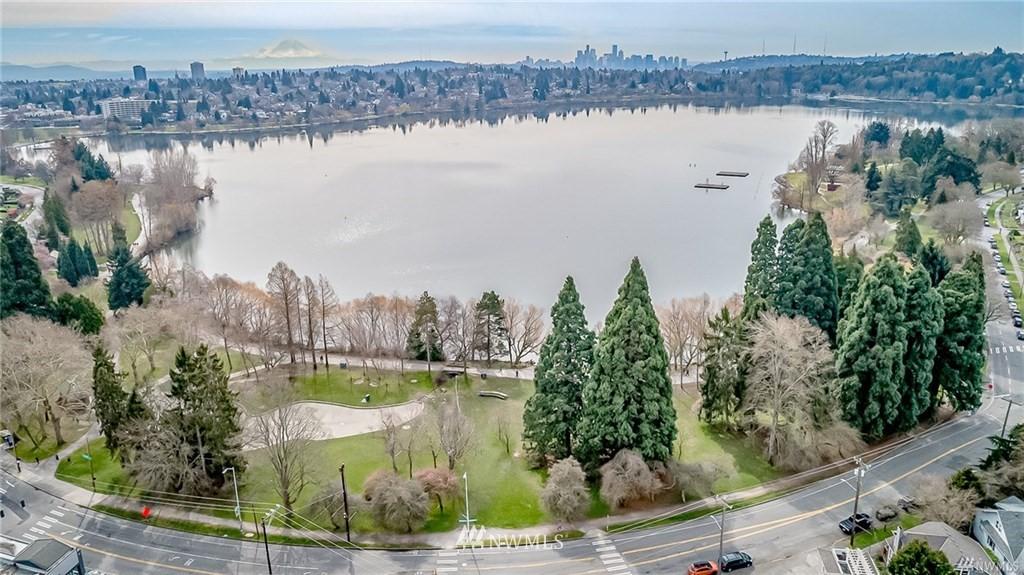 Sold Property   7866 Green Lake Drive N #3 Seattle, WA 98103 27