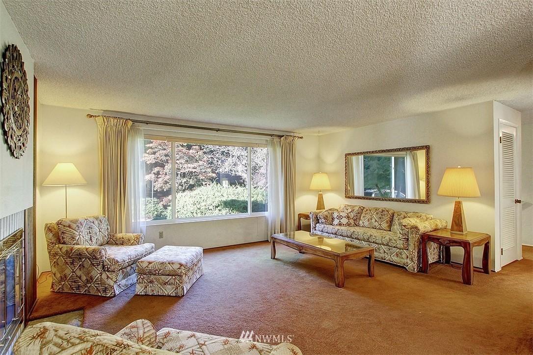 Sold Property | 7435 NE 118th Place Kirkland, WA 98034 2