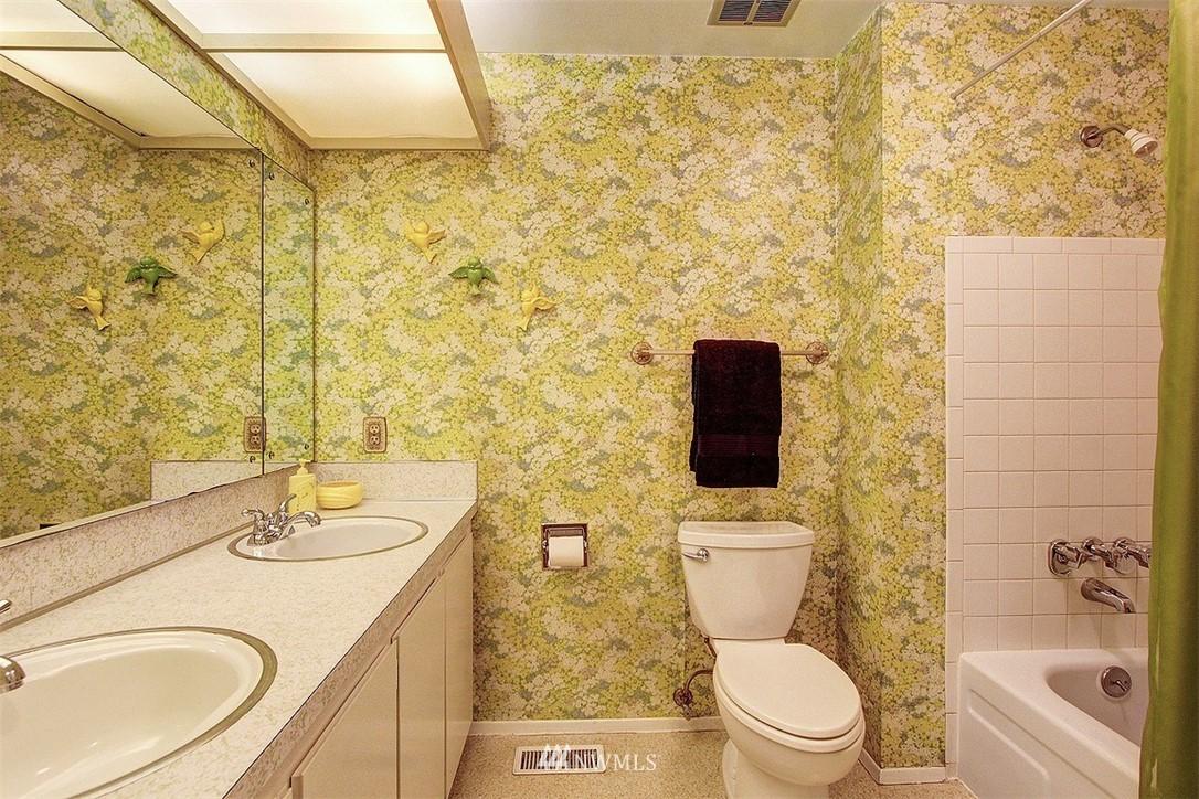 Sold Property | 7435 NE 118th Place Kirkland, WA 98034 12