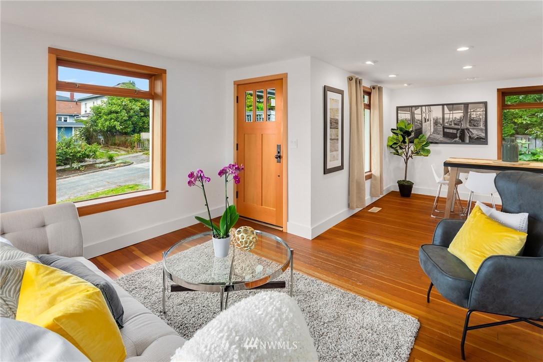 Sold Property   117 N 60th Street Seattle, WA 98103 4