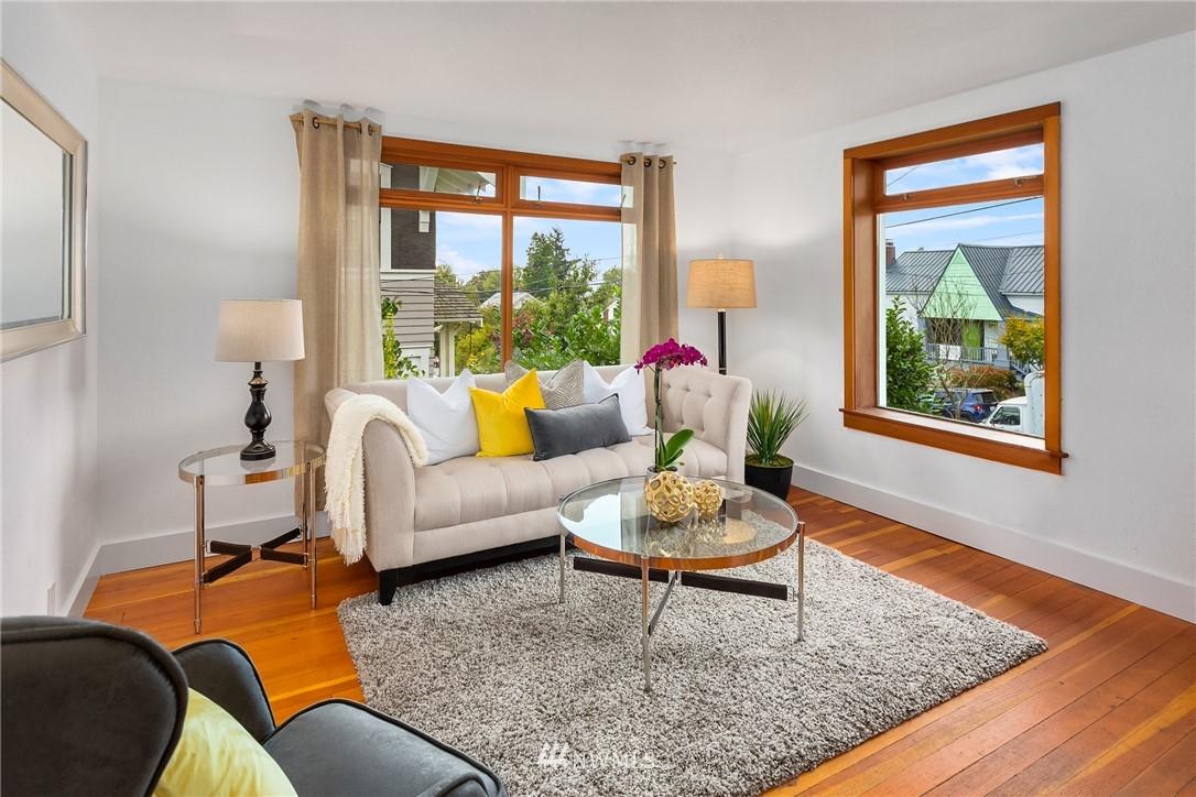 Sold Property   117 N 60th Street Seattle, WA 98103 5