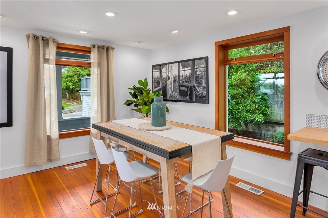 Sold Property   117 N 60th Street Seattle, WA 98103 6